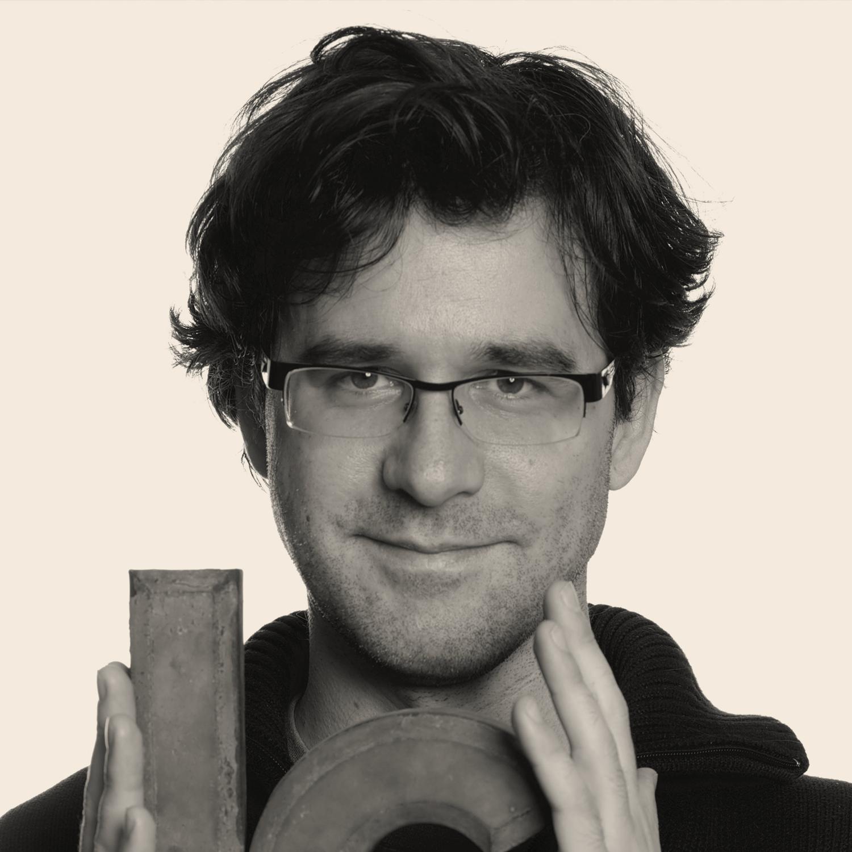 Rainer Erich Scheichelbauer </br> Glyphs App – Áustria